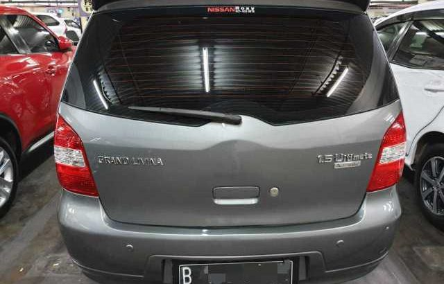Nissan grand livina ultimate 2011 At tdp 7 jt cash n credit