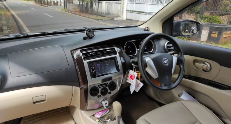 DIJUAL NISSAN GRAND LIVINA HIGHWAY STAR 1.5 2013