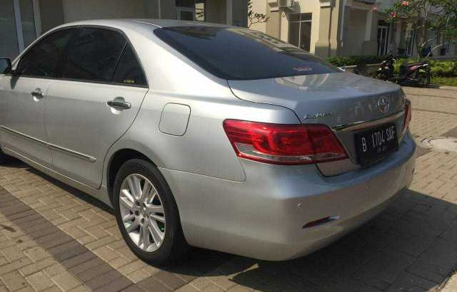 Toyota Camry V AT 2011 Silver