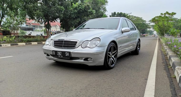 Mercedes C180 Kompressor 2004, Superb conditions