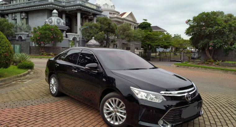Toyota Camry V AT 2017