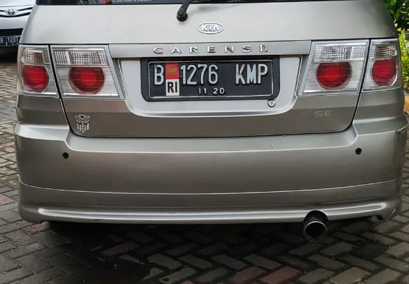 Dijual KIA Caren II 2004 mesin normal