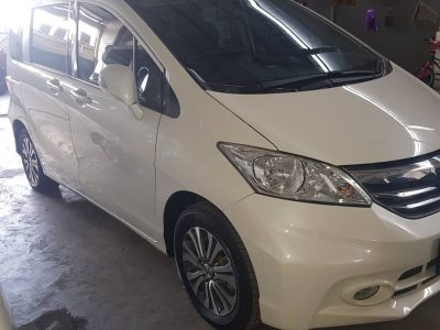 Honda Freed AT 2013