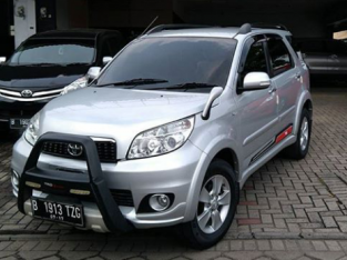 Toyota Rush tipe G MT 2012 silver